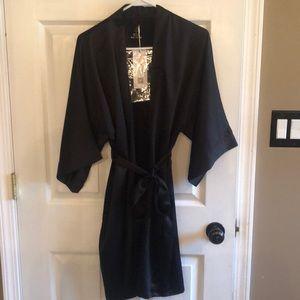 NWT Black satin robe with pockets